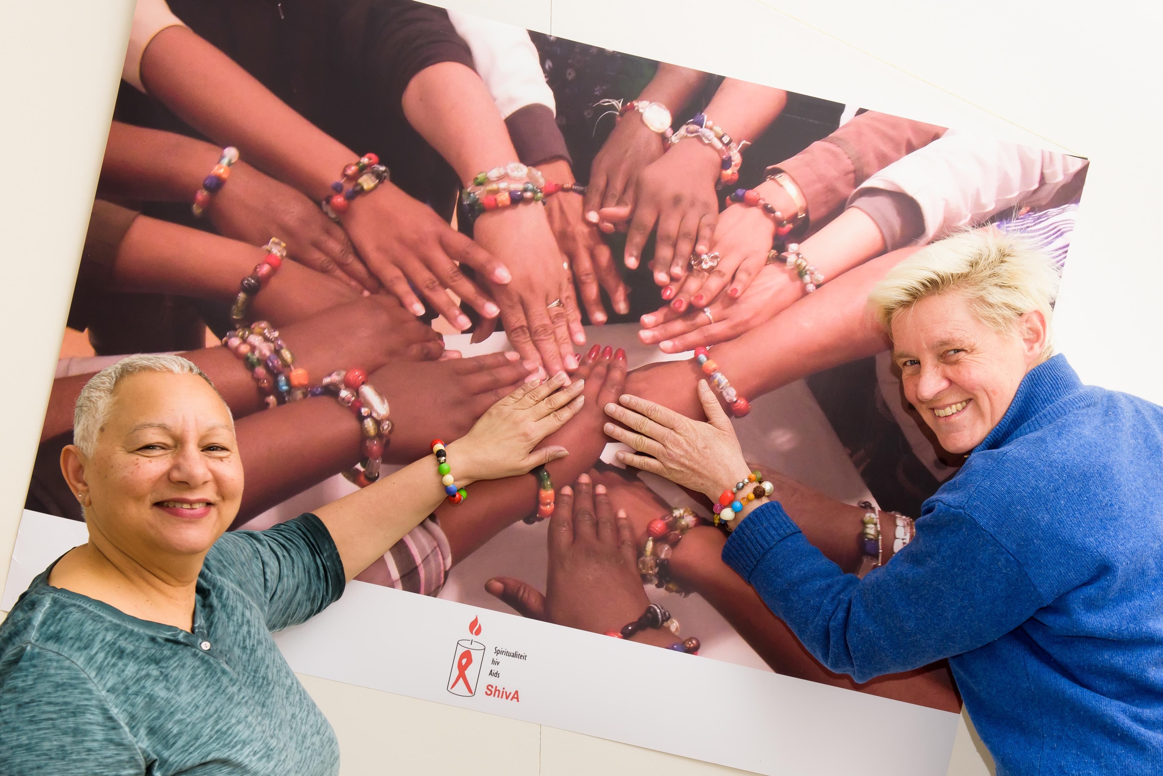 Stichting ShivA begeleidt samen met Positive Sisters en Brothers mensen met hiv